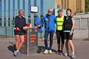 Lauftreffleiter mit Spendenbox